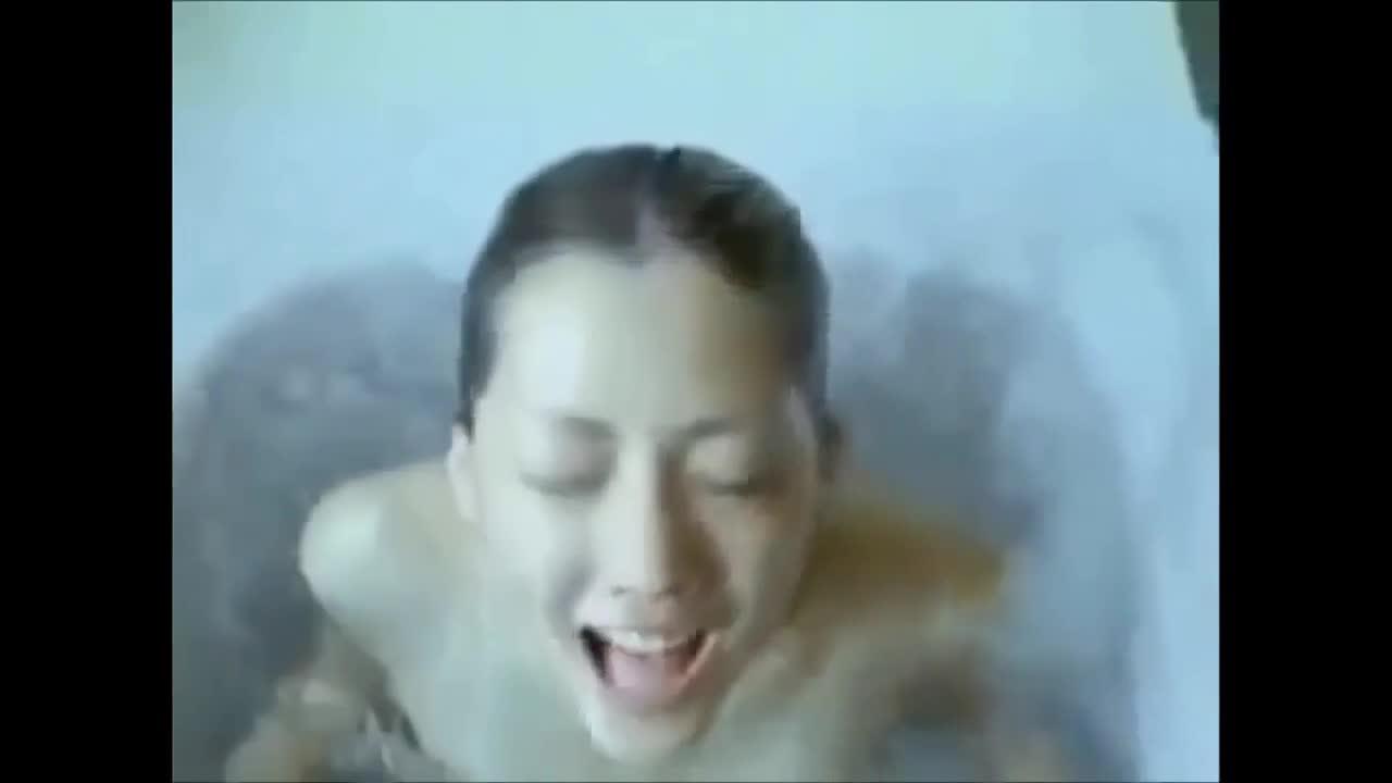 【お宝】ー人気女優 綾瀬はるかが撮影中に乳首丸出しハプニング!!